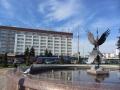 Фонтан «Буслы» на привокзальной площади. Фото: agiss. Апрель 2013.