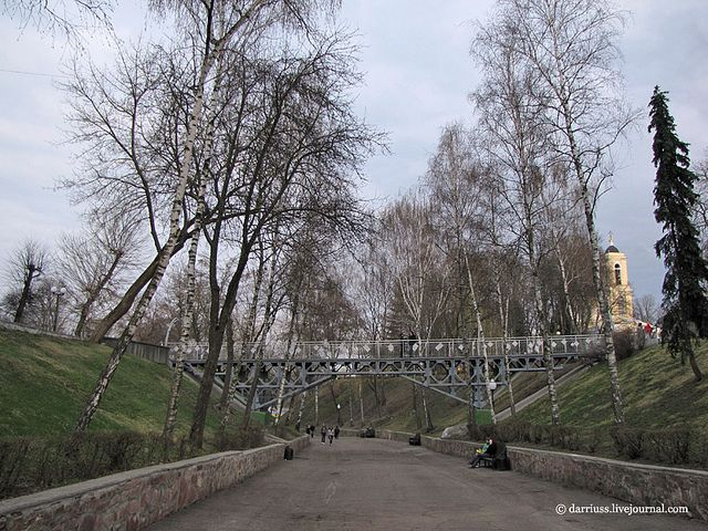 Киевский спуск, апрель 2010, фото darriuss