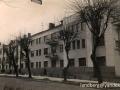 Улица Крестьянская, 3. Этот конструктивистский дом был построен в 1935, а восстановлен в 1948 г.