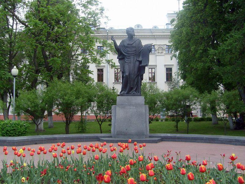 monument-turovskiy1
