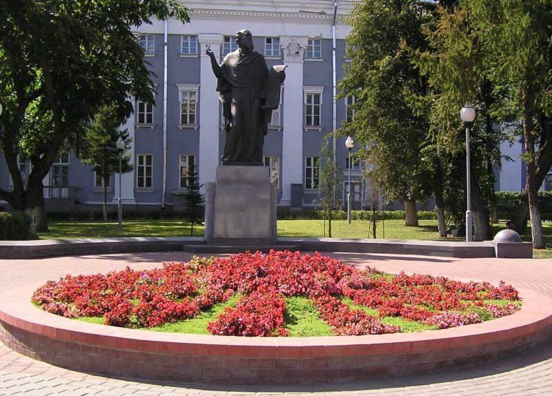 monument-turovskiy9