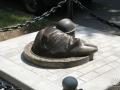Скульптура «Водопроводчик» в Гомеле, первый вариант