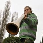 19-летний гомельчанин организовал школу по игре на диджериду
