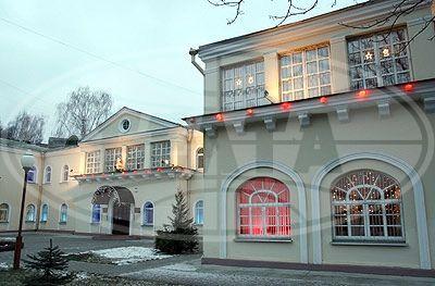 Здание картинной галереи Г.Ващенко - лучшее в Гомеле по новогоднему оформлению