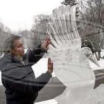 Ледовые композиции на несколько морозных дней украсят гомельский парк