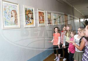 Выставкой картин завершится учебный год в гомельской СШ№19
