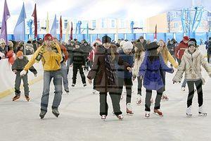 Универсальный сезонный каток открылся в Гомеле