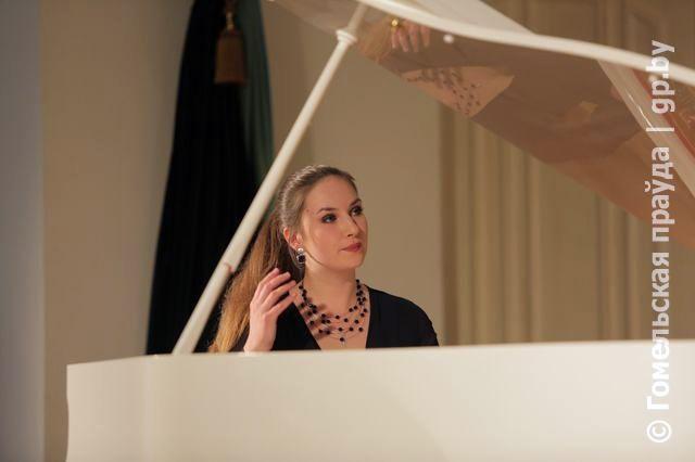 В Белой гостиной Дворца Румянцевых и Паскевичей сотоялся концерт фортепианной музыки