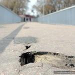На пешеходном мосту через Сож образовались дыры
