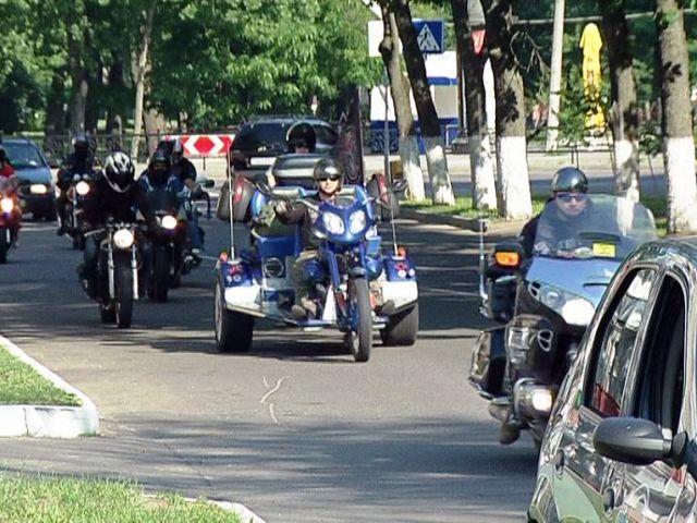 Байкеры приняли участие в патриотическом авто-мотопробеге