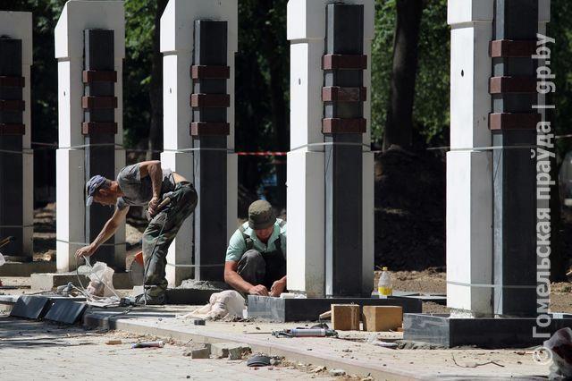 Реконструкция Студенческого сквера в Гомеле близка к завершению