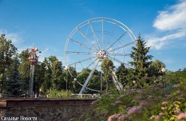 26 июня в парке Гомеля тестировалось новое колесо обозрения