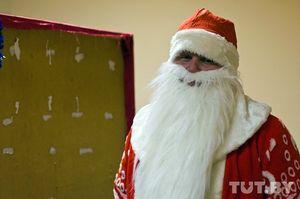 Футбольные фанаты посетили детский дом в Новобелице