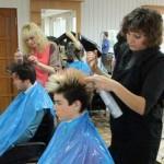 Гомельские парикмахеры способны сотворить чудо за 50 минут