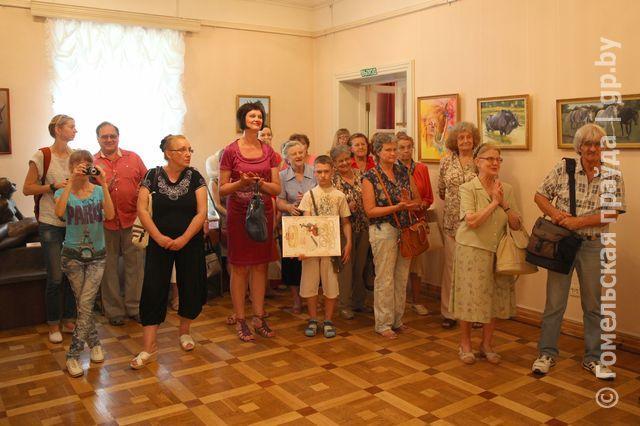 Вчера в охотничьем домике была открыта выставка Светланы Ботраковой