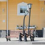 «Влюблённые фонари» присели на скамейку в Гомеле