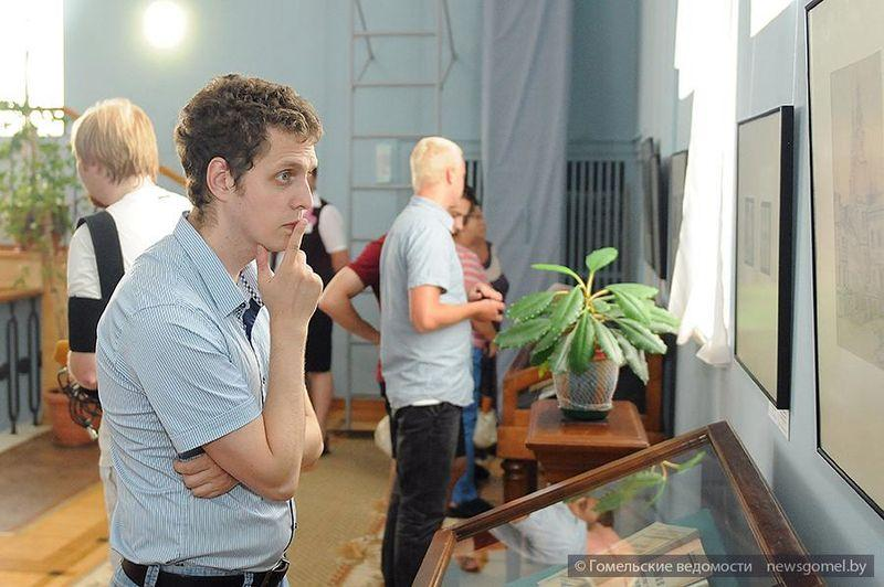 Выставка графики белорусских художников в Гомеле