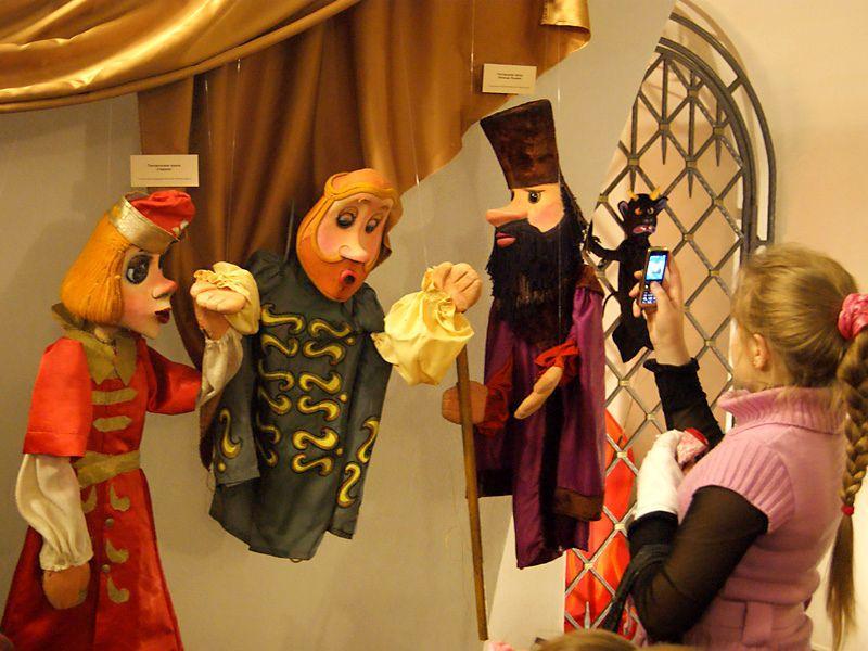 Гомельские первоклашки в сентябре бесплатно посетят театр кукол