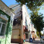 Оригинальный арт-объект: в Гомеле расписали здание в стиле начала XX века
