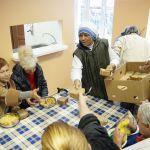 Сезон обедов для нищих и бездомных начали в гомельском Доме милосердия