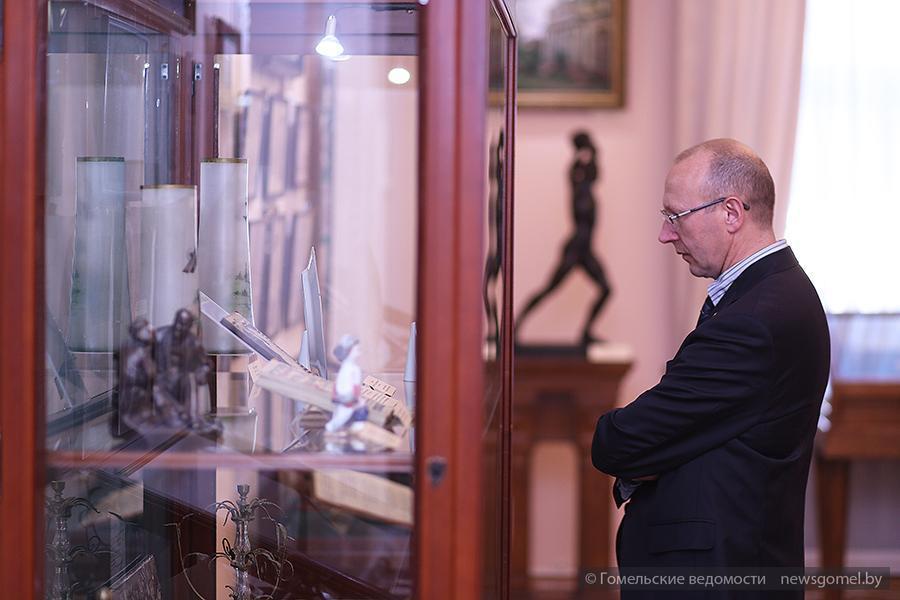 """Выставка """"Музею - 95"""" во Дворце Румянцевых и Паскевичей"""