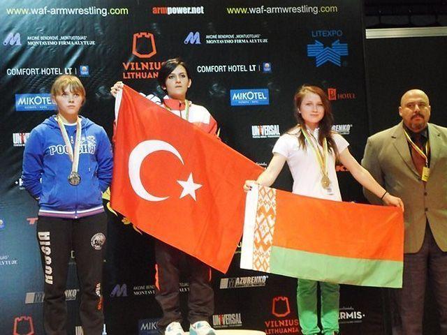 Юная гомельчанка завоевала две награды на чемпионате мира по армрестлингу