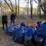 Гомельские эко-активисты убрали в лесу более 50 мешков мусора
