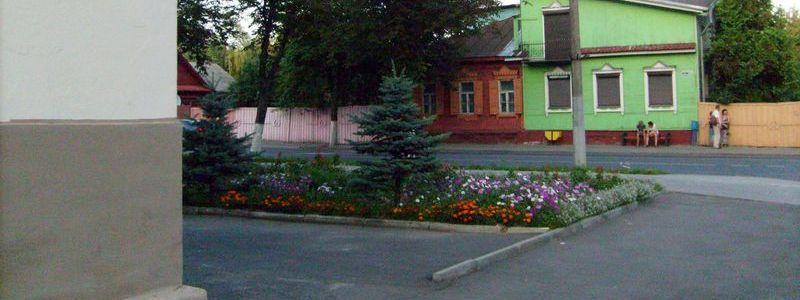 Плеханова, площадь