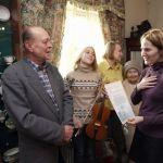 Музею истории города Гомеля была передана скрипка, которую сделал Сергей Мышковский