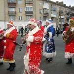 Парад Дедов Морозов и Снегурочек прошел в Гомеле