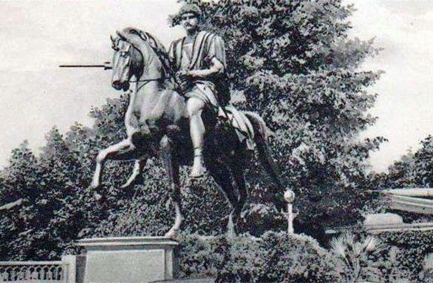 В Гомеле размышляют о памятнике участнику похода Наполеона на Москву