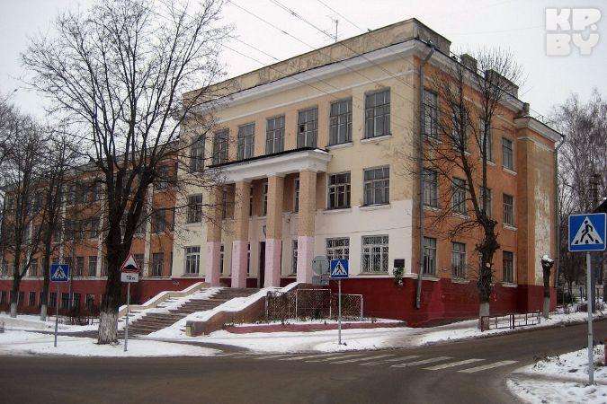Из довоенного здания бывшей гомельской школы сделают жилой дом?