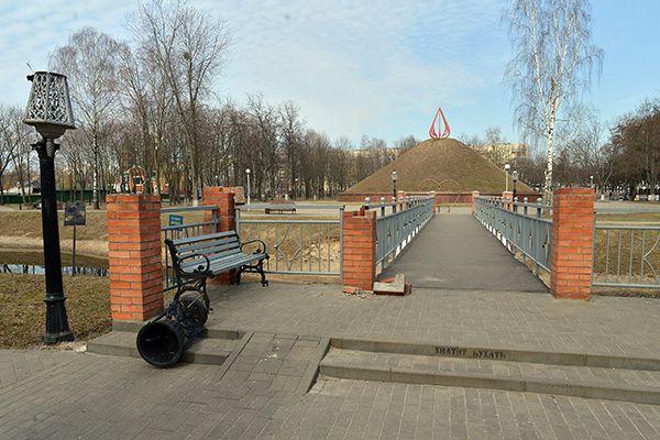 Милиция ищет свидетелей акта вандализма в парке Фестивальном
