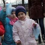 v-gomelskom-parke-deti-kormili6