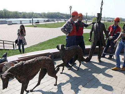 К Празднику труда город над Сожем украсила новая скульптура