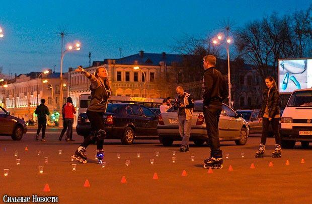 На площади Ленина роллеры устроили «зажигательное» катание