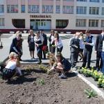 """К 9 мая во дворах гомельских школ и гимназий расцветёт """"Победа"""""""