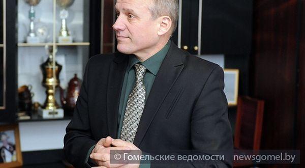Юбилейную медаль вручили Петру Свердлову в Брянске