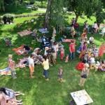 В Гомеле открыли европейскую лужайку для музыкальных пикников