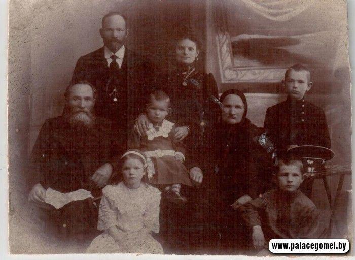Гомельчанка нашла в семейном архиве фото известного архитектора