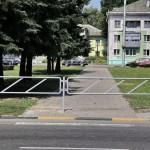 На Барыкина-Хмельницкого  пешеходные переходы закрыты