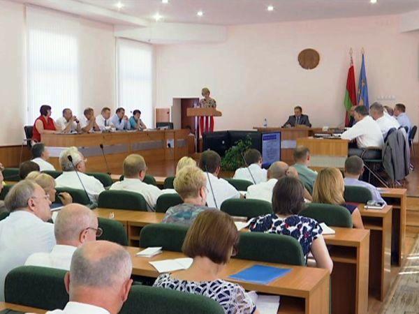 В горисполкоме обсудили итоги работы хозяйственного комплекса города