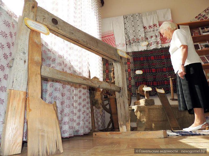 Музей народного быта открылся в городской библиотеке №3