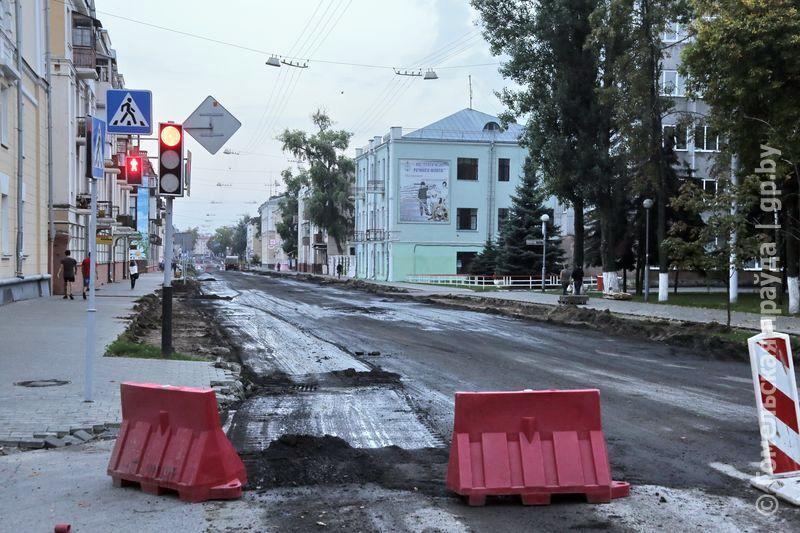 В Гомеле продолжаются работы по расширению проезжей части улицы Кирова