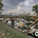 Над Билецким спуском продолжается строительство моста