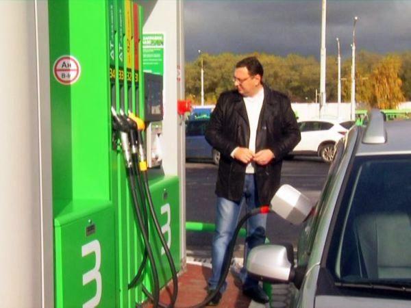 В День автомобилиста в Гомеле открыли первую автоматическую АЗС
