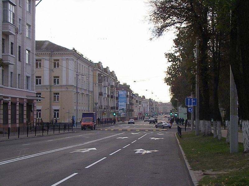 В Гомеле ограничено движение грузовиков по обновленному участку улицы Кирова