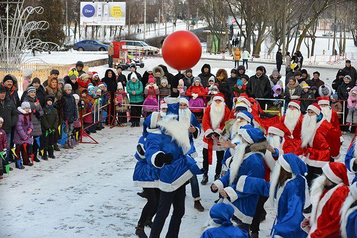 Новогодний футбольный матч Дедов Морозов прошёл в Гомеле