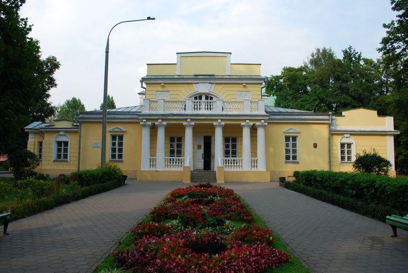 Гомельские подростки штурмуют городской музей