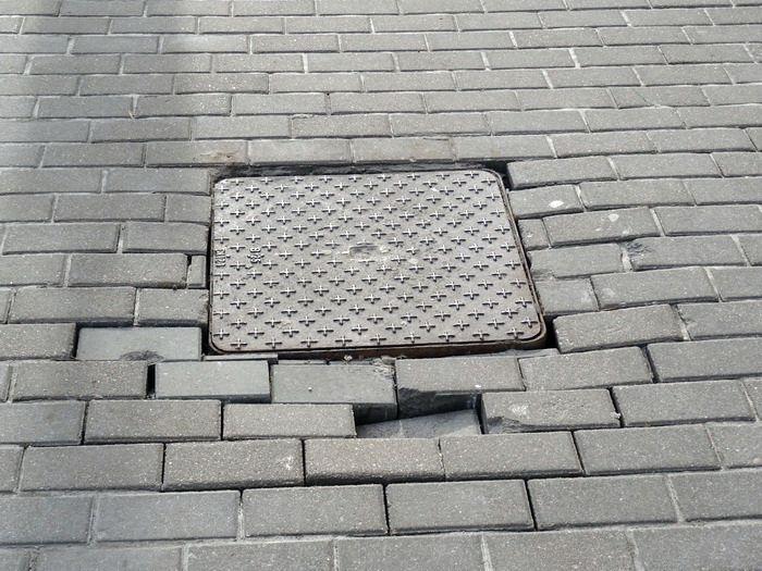 Самые «провальные» тротуары в центре Гомеля